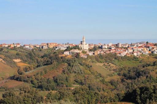 Città del Vino dice NO alle pale eoliche tra i vigneti