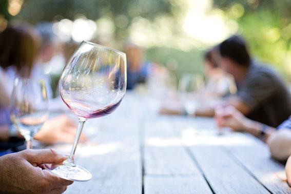 XVII Rapporto dell'Osservatorio sul Turismo del Vino. L'impatto socio economico del covid. Dalla necessità della gestione alla prospettiva del rilancio