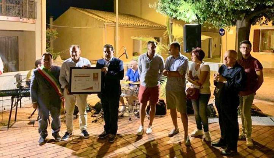 Luogosanto (SS), consegna della bandiera dell'Associazione Nazionale Città del Vino